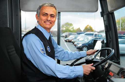 jose parks the bus